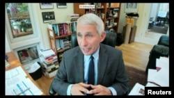 """Dr. Anthony Fauci, directorul Institutului Național de Alergie și Boli Infecțioase din Statele Unite în cursul unei audieri """"la distanță"""" în Congres."""