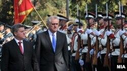 Presidenti i Maqedonisë Gjorgje Ivanov dhe ai i Serbisë, Tomisllav Nikolliq