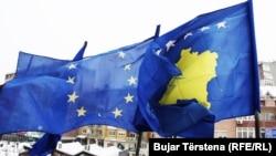 Flamuri i BE-së dhe i Kosovës