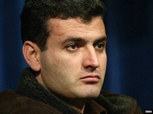 عبدالله مؤمنی در حال حاضر در حال گذراندن محکومیت چهار سال و ۱۱ ماه خویش در بند ۳۵۰ زندان اوین است.