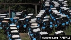 Запасы трактароў на Менскім трактарным заводзе (архіўнае фота)