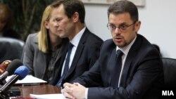 Архивска фотографија: Министерот за финансии Зоран Ставрески и шефот на мисијата на ММФ Вес Мекгру.