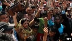 ارشیف، د پاکستان په لاهور ښار کې د دغه هېواد عیسوي اوسېدونکي د مظاهرې په حال کې