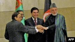 Президент Пакистана, премьер-министр Индии, президенты Туркменистана и Афганистана на церемонии подписания соглашения о строительстве ТАПИ, 11 декабря, 2010