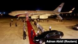 Самолет Путина прилетел в Дели в 2018 году