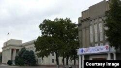 Кыргыз ССР Жогорку Советинин мурдагы имараты.