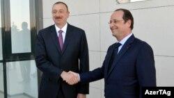 Azərbaycan prezidenti İlham Əliyev (solda) Bakıda fransalı həmkarı Francois Hollande ilə görüşür. 12 may 2014