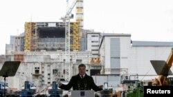 Петро Порошенко біля Чорнобильської атомної електростанції, 26 квітня 2016 року