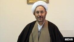 علی یونسی، وزیر اطلاعات دوره ریاستجمهوری محمد خاتمی و مشاور رییسجمهوری فعلی.