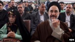 محمد خاتمی و زهرا رهنورد در هفتمین کنگره حزب جوانان ایران اسلامی که روز جمعه برگزار شد