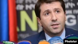 Армения адам құқықтары жөніндегі омбудсмені Карен Андреасян. Ереван, 23 шілде 2013 жыл.