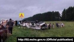 На месте дорожно-транспортного происшествия (ДТП) с участием пассажирского автобуса на трассе в Башкортостане