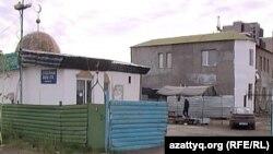 Әбіш Ата мешіті. Астана, 17 мамыр 2012 жыл. (Көрнекі сурет)