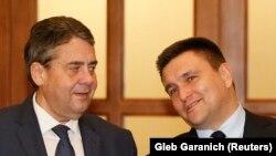 Almaniya TİN rehberi Zigmar Gabriel ve Ukraina tış işleri naziri Pavlo Klimkin
