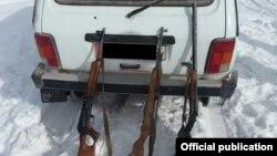 Изъятое у браконьеров оружие.