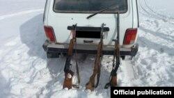 Оружие, изъятое у граждан Кыргызстана, незаконно охотившихся в пограничной зоне.