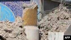 شبه نظاميان شورشی روز چهارشنبه سيزدهم ماه ژوئن بار ديگر مقبره دو تن از امامان شيعه را در شهر سامره هدف بمب گذاری های خود قرار دادند