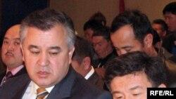 """""""Ата Мекен"""" партиясынын лидери Өмүрбек Текебаев менен партиянын координатору Алманбет Шыкмаматов."""