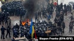 Pamje nga protesta e sotme në Kiev ku ka pasur përleshje ndërmjet policisë dhe demonstruesve