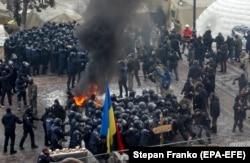 Столкновения сторонников Саакашвили с полицией у стен Верховной Рады