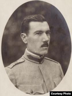 Căpitan român prizonier în Germania (Foto: Expoziția Marele Război, 1914-1918, Muzeul Național de Istorie a României)