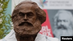A Chinese-funded statue of Karl Marx will be unveiled in his hometown of Trier on the 200 anniversary of the economic historian's birth.