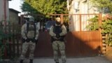 Rusiye quvetçileri qırımtatarlarnıñ evlerini tinte (video)