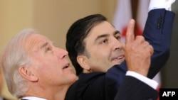 Джозеф Байден и Михаил Саакашвили