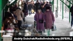 Контрольний пункт в'їзду-виїзду на лінії розмежування у Станиці Луганській, 5 грудня 2019 року