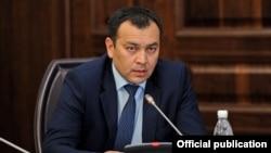 Секретарь Совета безопасности КР Темир Джумакадыров.