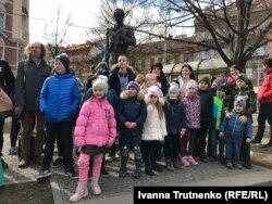 Біля пам'ятника Тарасові Шевченку на площі Кінських, Прага, 9 березня 2019 року