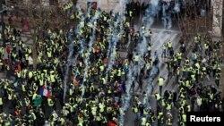 La protestele de sîmbătă pe Champs-Elysees, la Paris