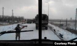 Проїзд в аеропорт через блокпост «сепаратистів»