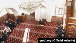 Муфтій Криму Еміралі Аблаєв на зустрічі з імамами мечетей півострова, 4 січня 2016 року