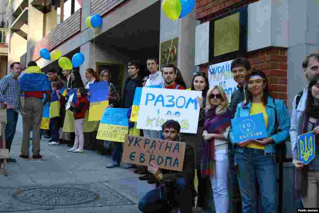 Євромайдан в Сан-Франциско (США), 24 листопада 2013 року (фото з Facebook Kateryna Riepina)