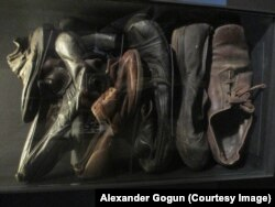 Обувь узников, которую они сдавали при поступлении в лагерь