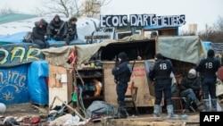 """U migrantskom kampu """"Džungla"""" trenutno se nalazi više hiljada migranata"""