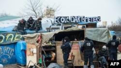 Iseljavanje kampa u Calais-u