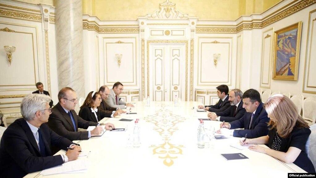 Премьер-министр принял спецпредставителя председателя ОБСЕ по борьбе с коррупцией