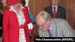 Королева Дании Маргрете II и принц Хенрик во время посещения Библиотеки Конгресса США 7 июня 2011 года
