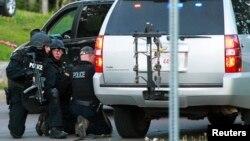 Канадская полиция во время спецоперации в Монктоне, 4 июня 2014 года. Иллюстративное фото.