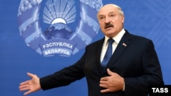 The EU has expressed gratitude to President Alyaksandr Lukashenka for facilitating talks with Russia over the conflict in eastern Ukraine.