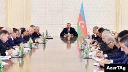 İlham Əliyev, Nazirlər Kabinetinin iclasında. 10yan2017
