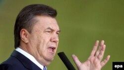 Практически все эксперты называют партию Виктора Януковича фаворитом предстоящих выборов