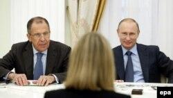 Федерика Могерини на переговорах с Владимиром Путиным и Сергеем Лавровым в Москве, июль 2014 года