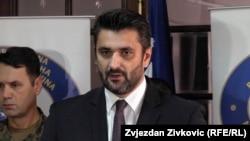 Pozivam čelnike SDA da prestanu bacati narodu prašinu u oči: Emir Suljagić