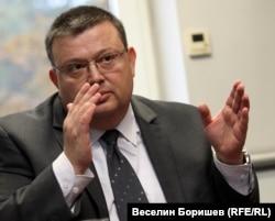 Сотир Цацаров малко преди избора си за главен прокурор в края на 2012 г.