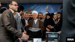 Former Iranian President Ali Akbar Hashemi Rafsanjani among supporters in Tehran