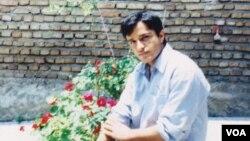 ضیاء نبوی در هشت سال گذشته در زندانهای اوین، اهواز، کلینیک اهواز و سمنان در بندهای مختلف محبوس بود.