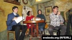 Падчас паэтычнай вечарыны Андрэя Хадановіча ўКіеве